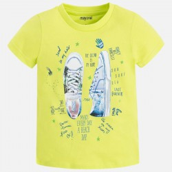 Тениска с принт обувки отпред и надпис отзад