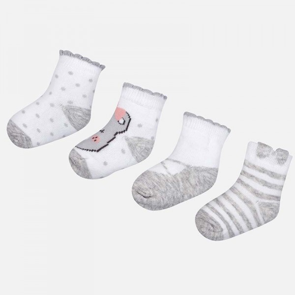 Комплект от 4 чифта чорапи с шарки за момиче