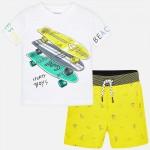 Комплект къси панталони и тениска със скейтборди