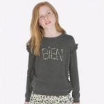 Пуловер с апликирани камъчета и къдрички