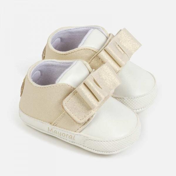Спортни обувки с панделка за новородено бебе момиче