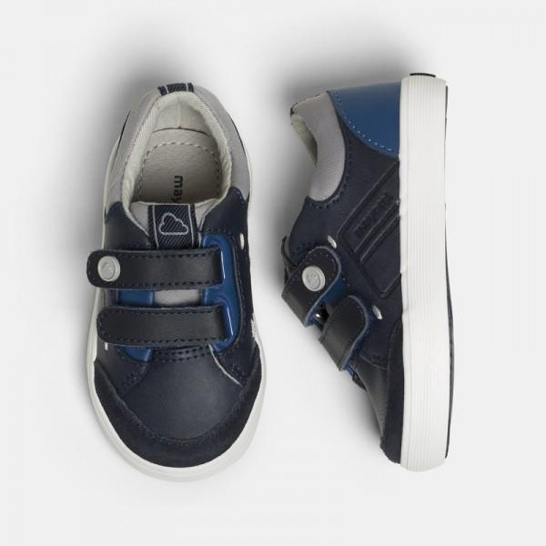 Ежедневни обувки с велкро за бебе момче