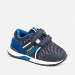 Спортни маратонки с велкро за бебе момче