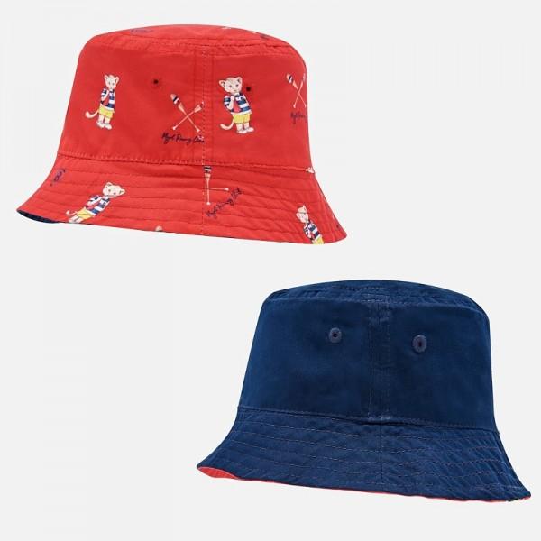 Двулицева шапка с принт за бебе момче