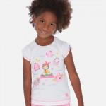 Тениска с принт момиче с аксесоари