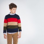 Пуловер на многоцветни райета за момче - тийн серия
