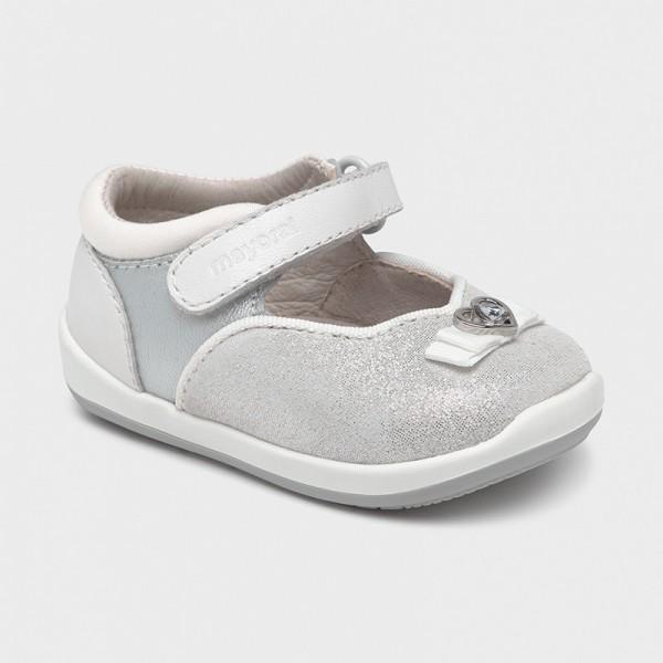 Кожени пантофки със сърчице Първи стъпки за бебе момиче