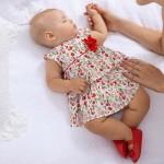 Рокля с флорална щампа за новородено момиче