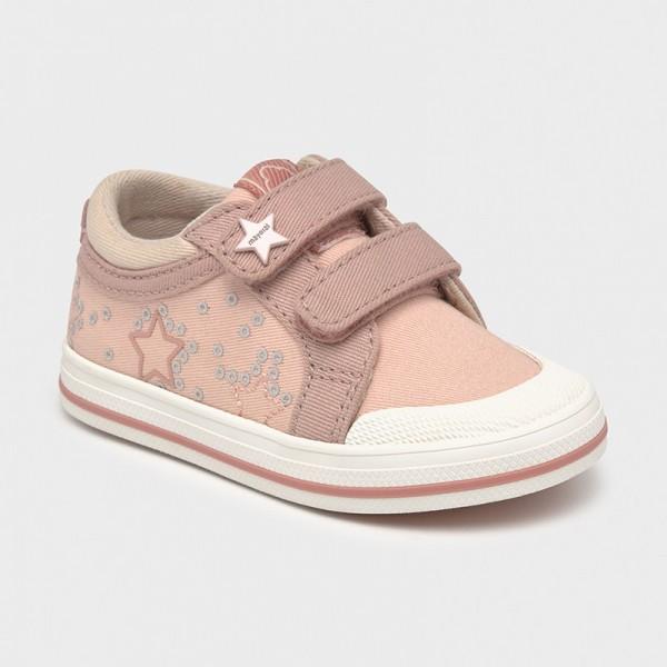 Спортни обувки от плат със звезди за бебе момиче