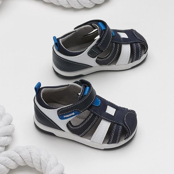 Полуотворени комбинирани сандали за бебе