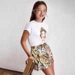 Пола панталон с щампа за момиче