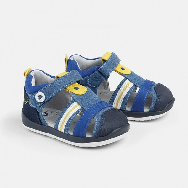Полузатворени сандали от памук