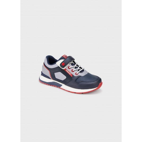 Трицветни спортни обувки за момче